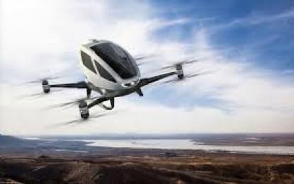 O companie chineză a prezentat, miercuri, la CES 2016, prima dronă din lume care poate transporta oameni.