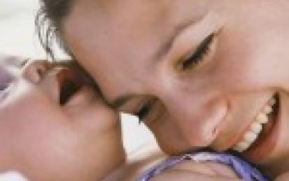 Social : Indemnizaţia pentru creşterea copilului în 2016. Noutăţi, condiţiile de acordare şi actele necesare