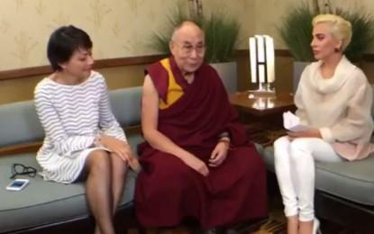 Lady Gaga are ordin de restricţie în China, după ce s-a întâlnit cu liderul spiritual Dalai Lama – VIDEO