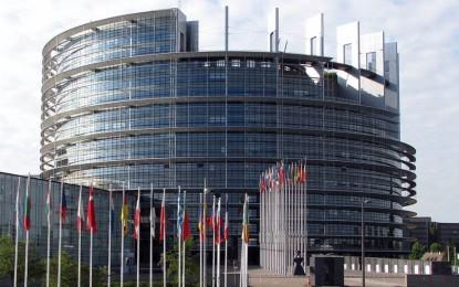 """arlamentul European a adoptat o rezoluţie prin care cere Marii Britanii să activeze """"imediat"""" clauza privind retragerea din Uniunea Europeană. Discuţii aprinse în timpul şedinţei – VIDEO"""