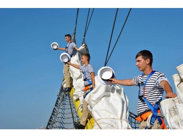 ZIUA MARINEI – Cel mai mare spectacol naval din acest an. Presedintele Klaus Iohannis asista la festivitati