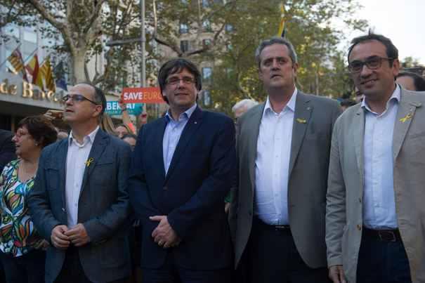 Opt foşti membri ai Guvernului din Catalonia au fost arestaţi/ A fost emis mandat european de arestare pe numele lui Carles Puigdemont