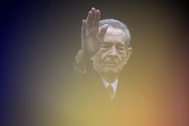 A murit Regele Mihai I la vârsta de 96 de ani. Guvernul a decretat trei zile de doliu naţional/ Principesa Margareta: Am pierdut, ca voi toţi, un părinte. Voi continua să servesc poporul român