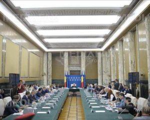 Guvernul se reuneşte azi. Se caută o soluţie privind rectificarea, care nu are avizul CSAT