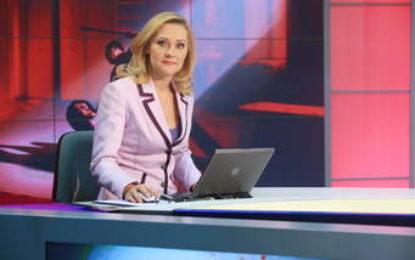 Fosta vedetă de la Pro TV Elena Lasconi s-a hotărât să candideze pentru fotoliul de primar la Câmpulung Muscel Citeşte întreaga ştire: Fosta vedetă de la Pro TV Elena Lasconi s-a hotărât să candideze pentru fotoliul de primar la Câmpulung Muscel