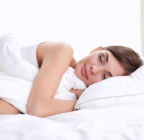 De ce nu ar trebui să dormi pe partea dreaptă